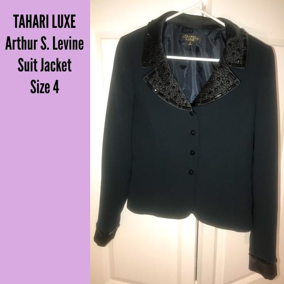 TAHARI LUXE Jackets & Blazers - TAHARI LUXE - Jeweled Suit Jacket / Black - Size 4